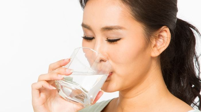 5 Efek Menakjubkan Berbuka Puasa dengan Minum Air Putih Hangat, Ini yang Akan Terjadi pada Tubuh
