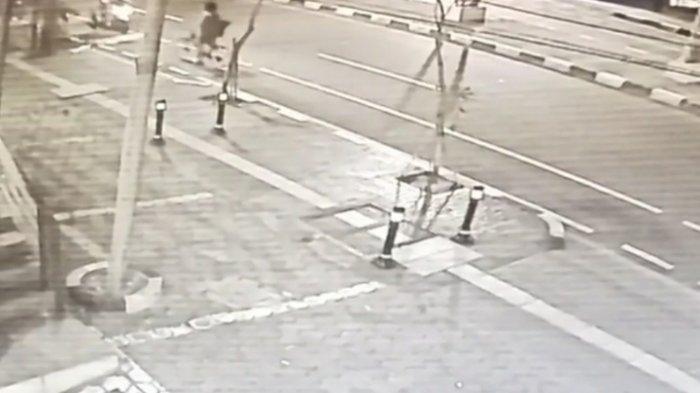 Pesepeda Dibegal di Panglima Polim Jaksel, Pelaku Bacok Korban di Bagian Perut