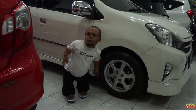 Ucok Baba Perlu Duit Buat Tutupi Kebutuhan Hidup, Mobil Kesayanganpun Akhirnya Dijual