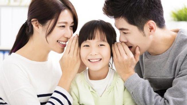 Dampak Negatif: Orangtua Asal Beri Pujian untuk Anak