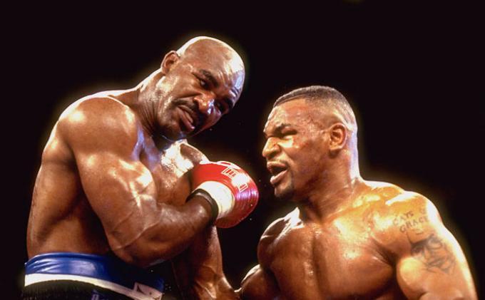 Si Leher Beton Cukup Bersantai Evander Holyfield Lawan Enteng bagi Mike Tyson Dillian Whyte